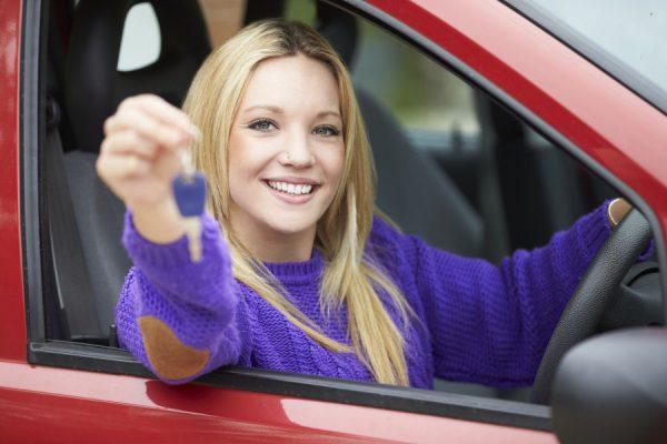 Waarom jonge bestuurders beter een verzekering op eigen naam nemen